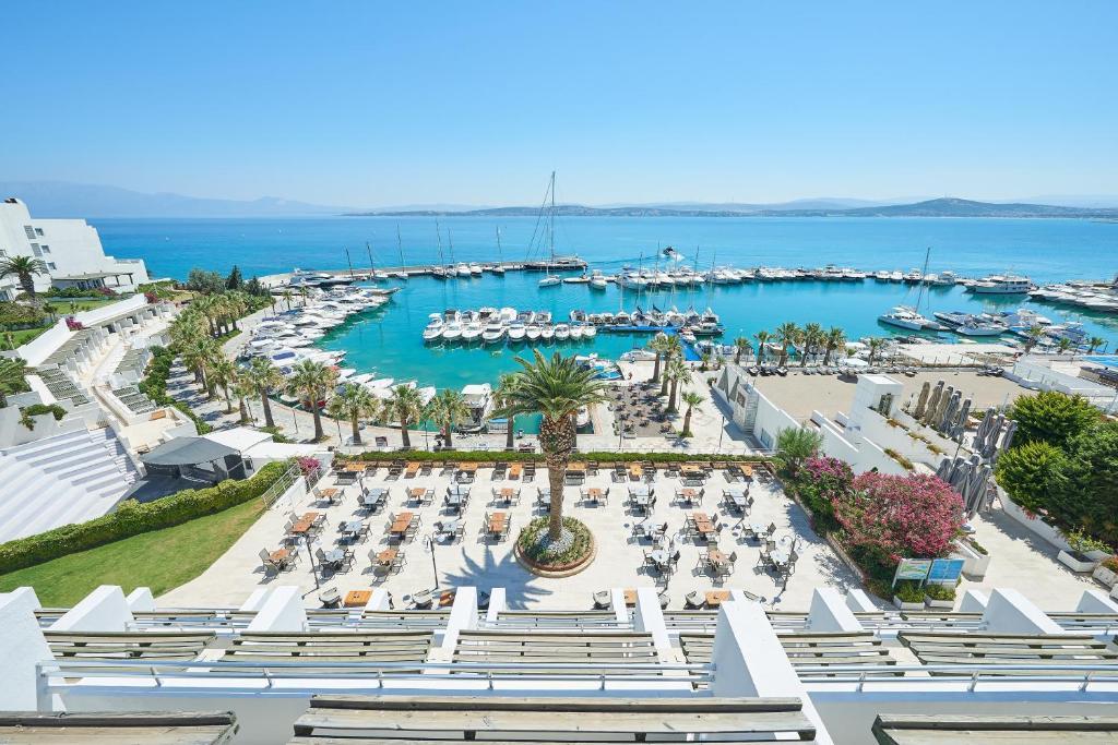 A bird's-eye view of Altin Yunus Resort & Thermal Hotel
