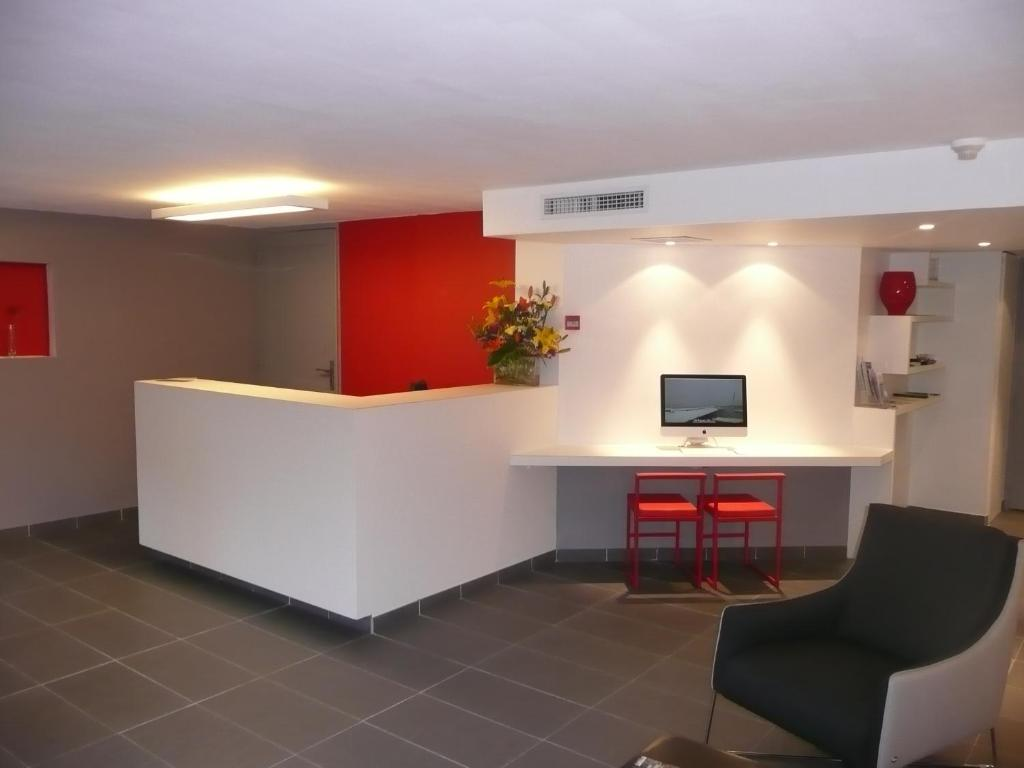The lobby or reception area at Hôtel Princes de Catalogne