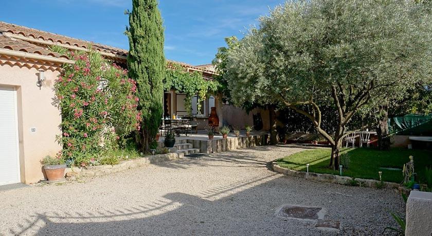A porch or other outdoor area at Villa hortensia