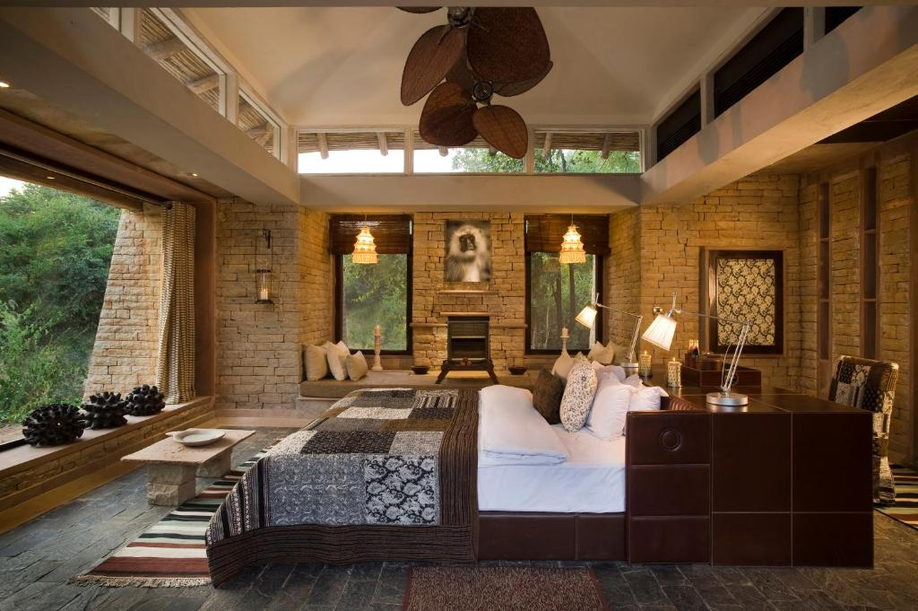 The lobby or reception area at Pashan Garh Panna National Park - A Taj Safari Lodge
