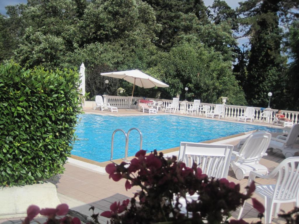 The swimming pool at or near Hotel Gioia Garden