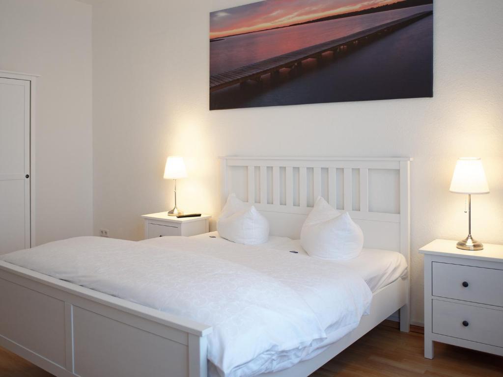 Ein Zimmer in der Unterkunft City Park Apartments - #13-20 - Moderne Apartments & Suiten im Zentrum