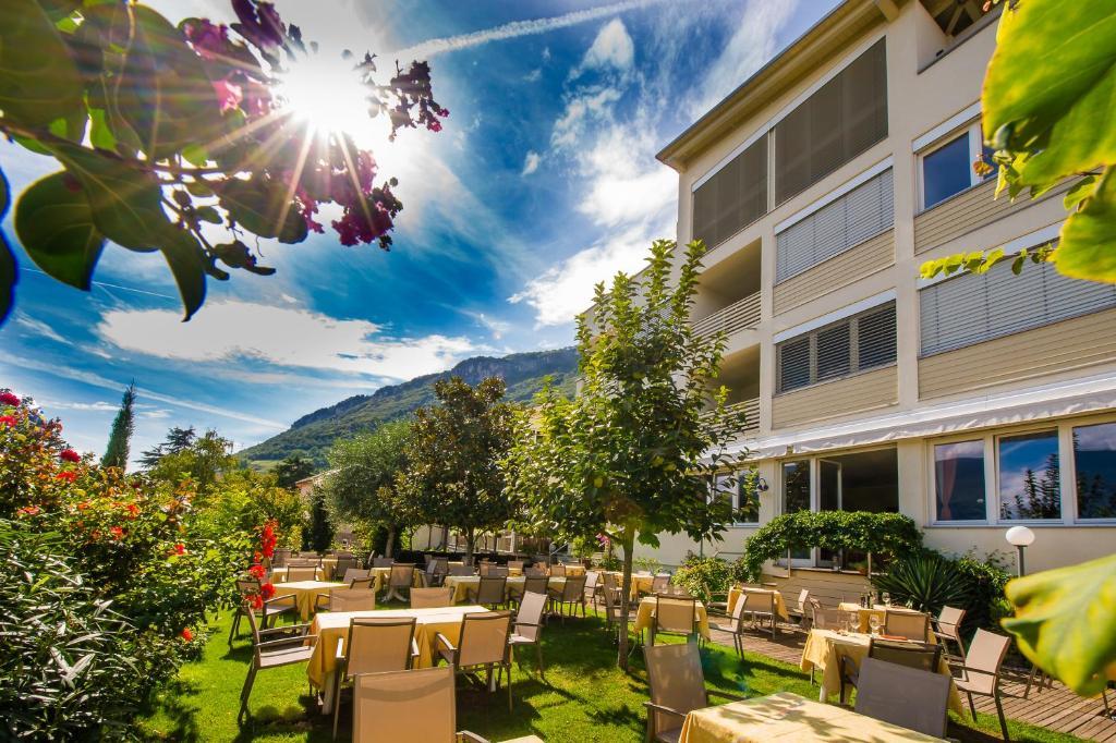 Патио или другая зона на открытом воздухе в Hotel Residence Pernhof