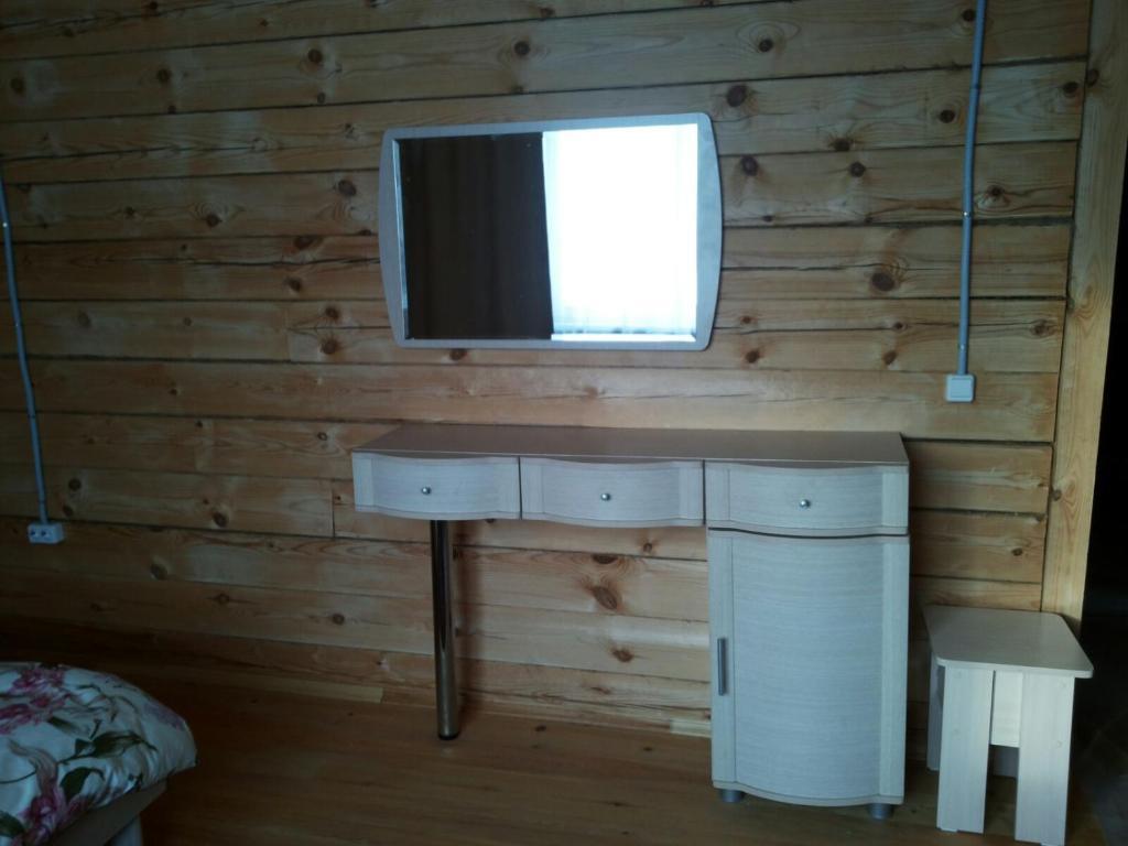 Телевизор и/или развлекательный центр в 1 Gostiniy Dvor Izbushka