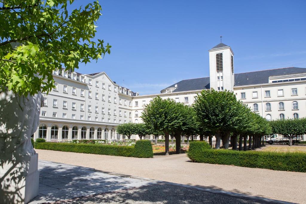 Hostellerie Bon Pasteur Angers, France