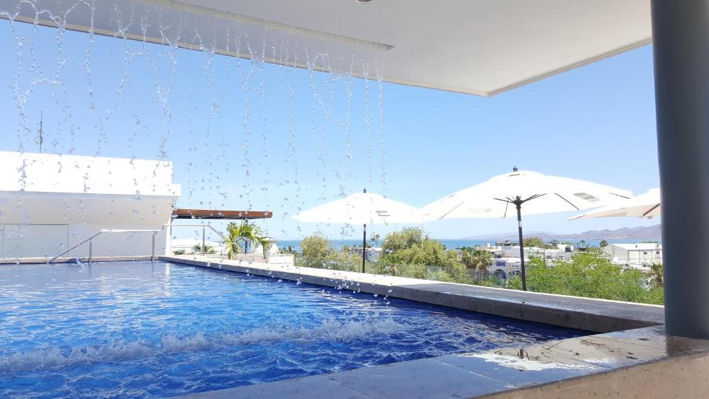 Basen w obiekcie Hotel Catedral La Paz lub w pobliżu