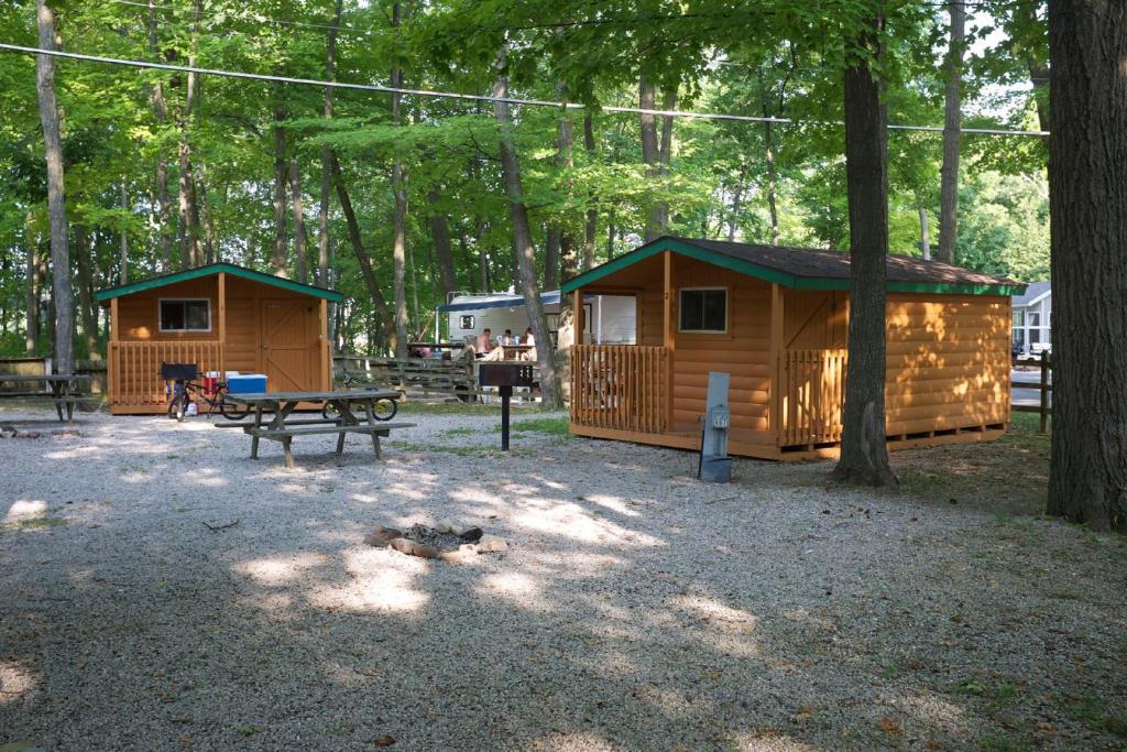 Plymouth Rock Camping Resort Studio Cabin 1