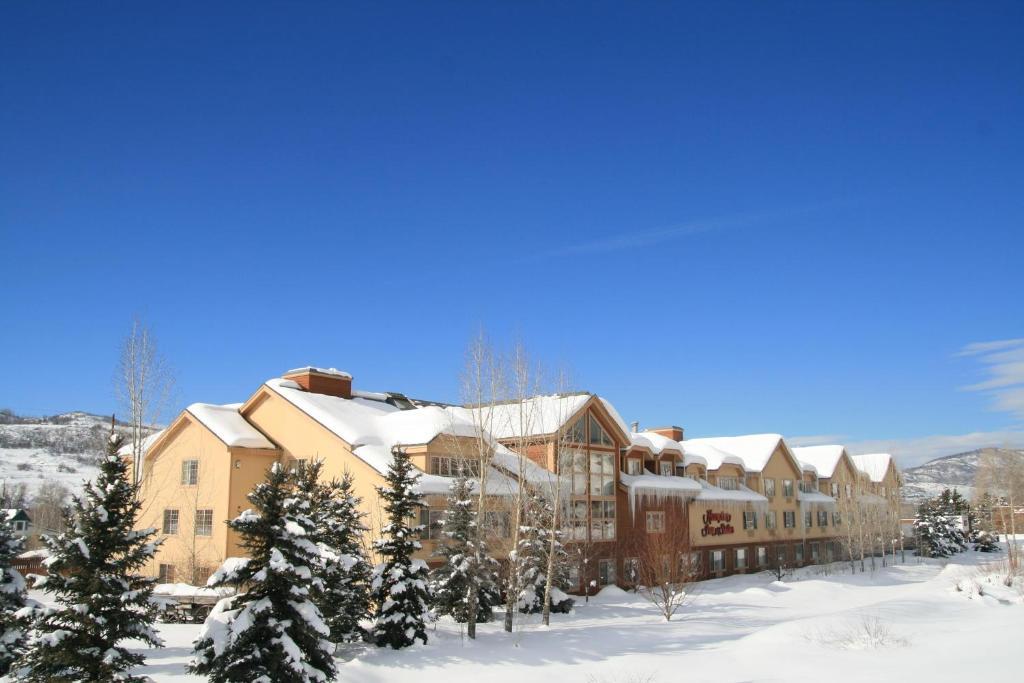 Hampton Inn & Suites Steamboat Springs during the winter