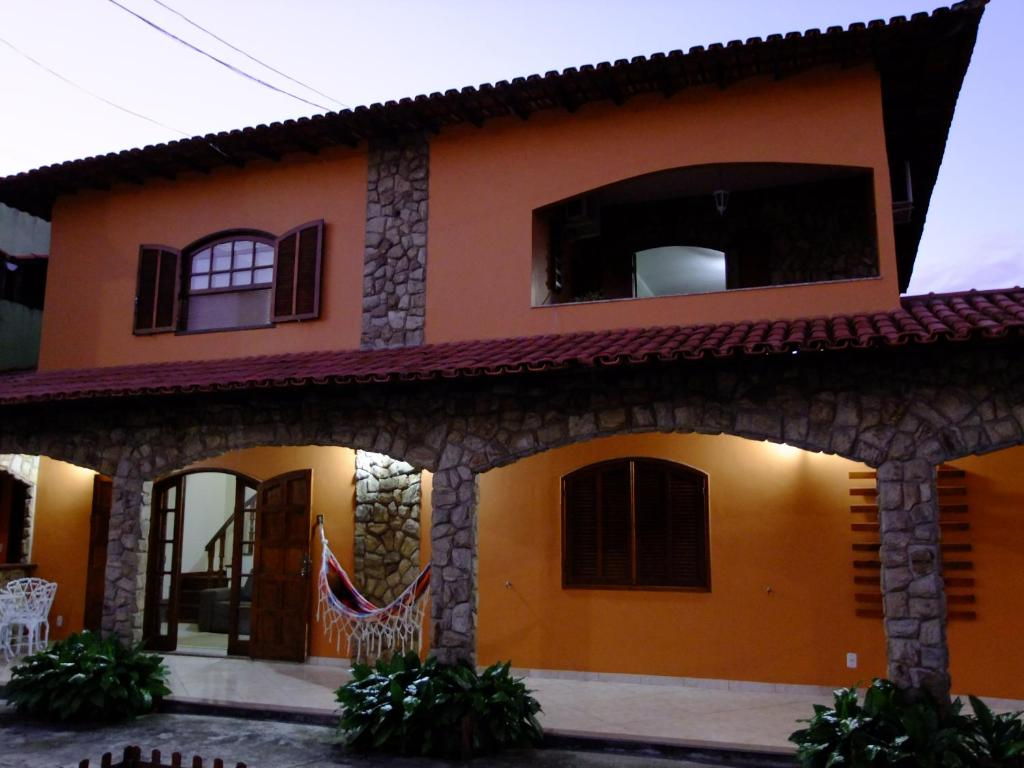 The facade or entrance of Pousada Apricare