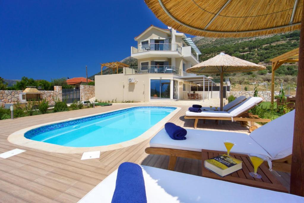Πισίνα στο ή κοντά στο Kefalonia Horizon Villas