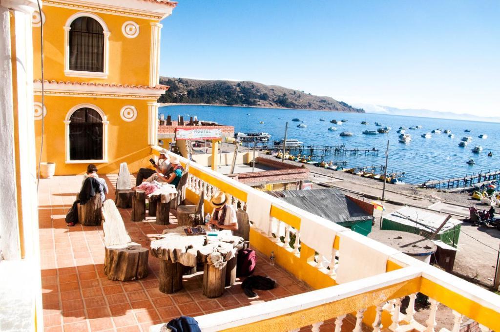 Ein Balkon oder eine Terrasse in der Unterkunft Hotel Mirador del Lago