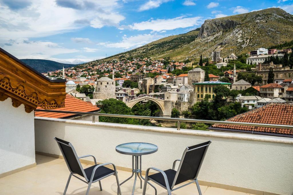 A balcony or terrace at Hotel Kapetanovina