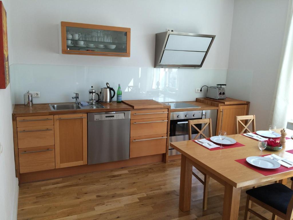 Küche/Küchenzeile in der Unterkunft Business Apartments Sonne Mond Sterne