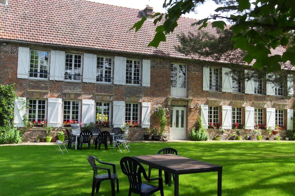 A porch or other outdoor area at Chambres d'hôtes Manoir du Buquet