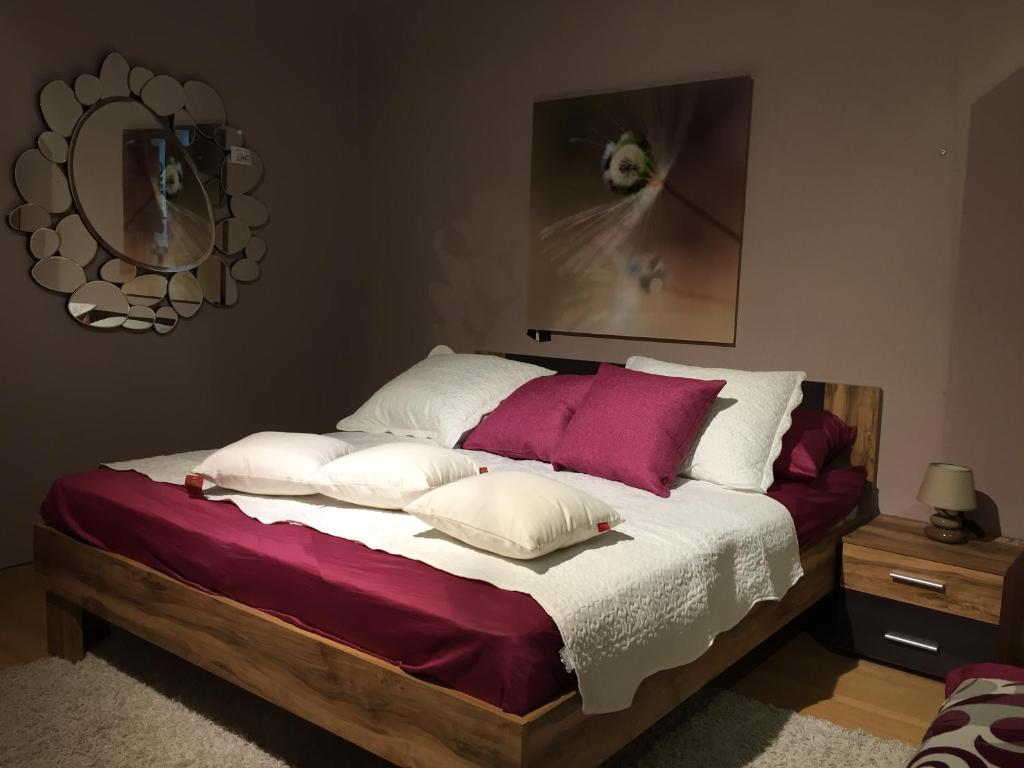 A bed or beds in a room at Suzaba