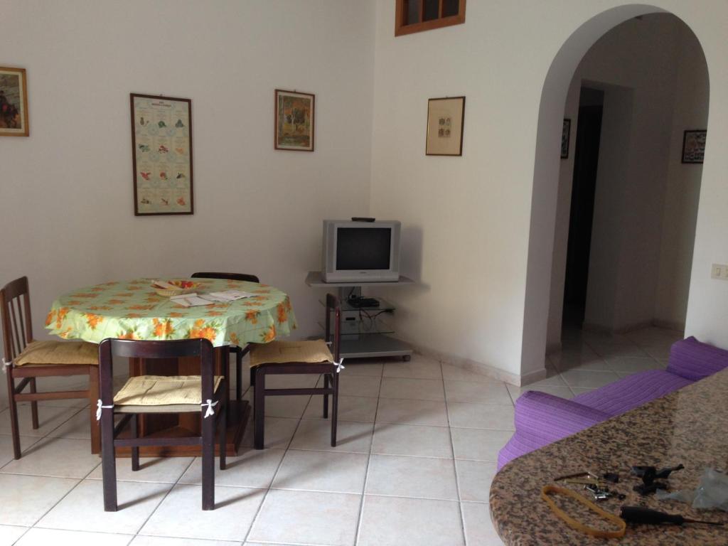 A seating area at Casa Saputo