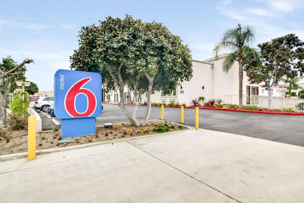 Motel 6-Carson, CA