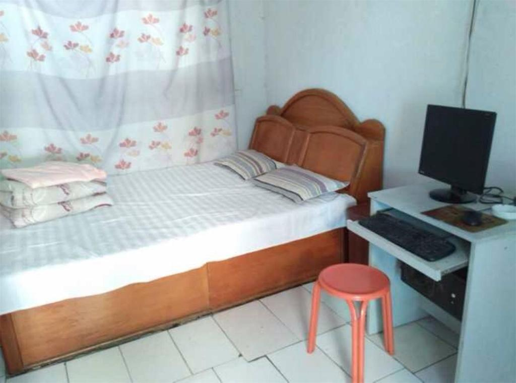 A room at RuiXiang Guest House
