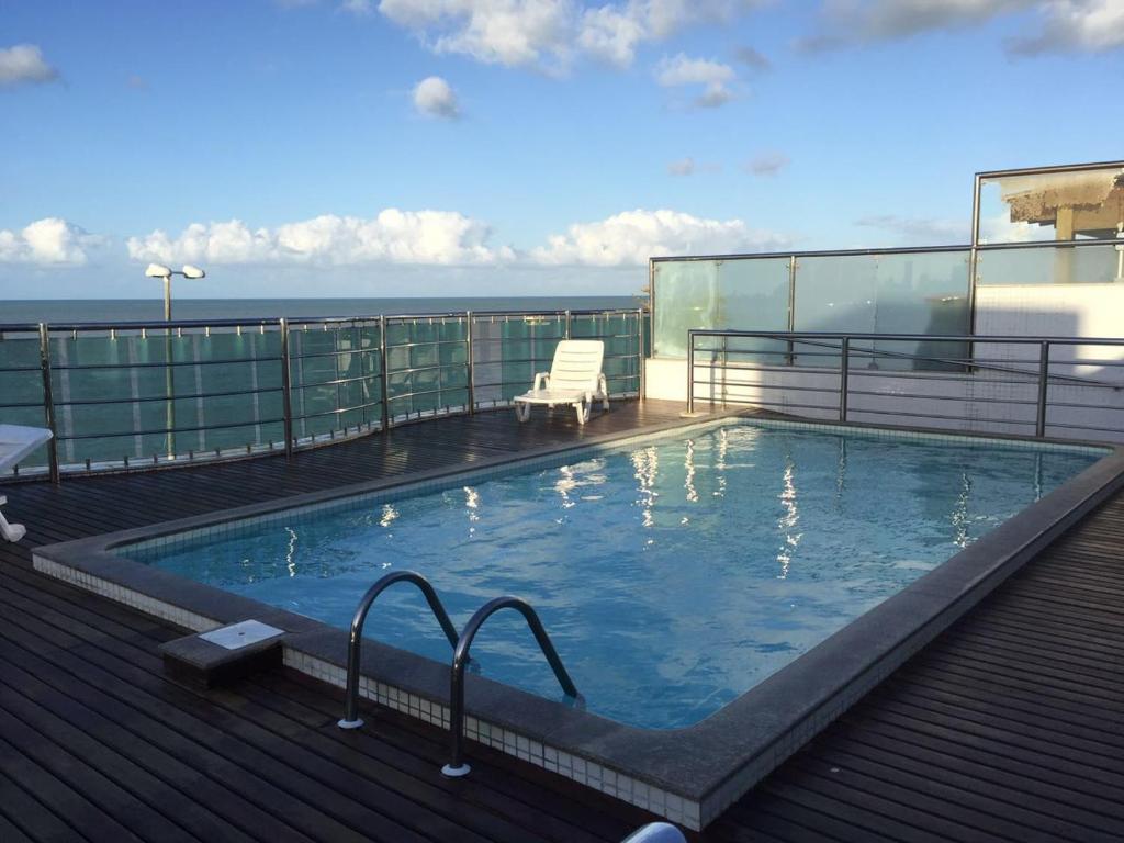 A piscina localizada em Flat Manaíra Palace ou nos arredores