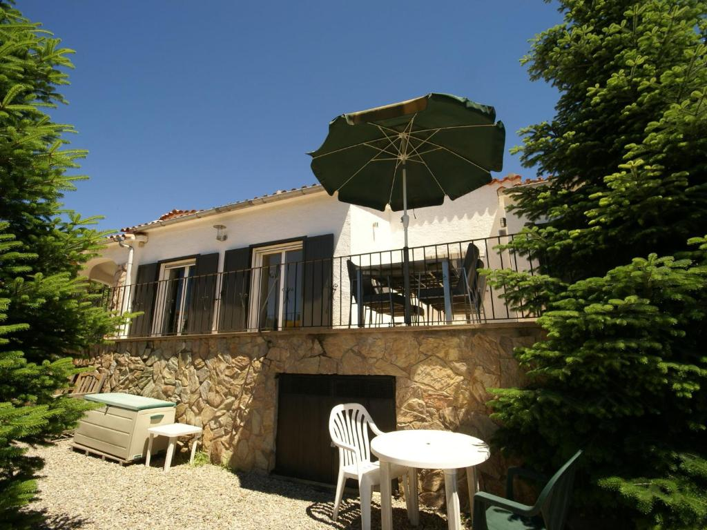 Cozy Holiday Home in Calonge with Private Pool 3