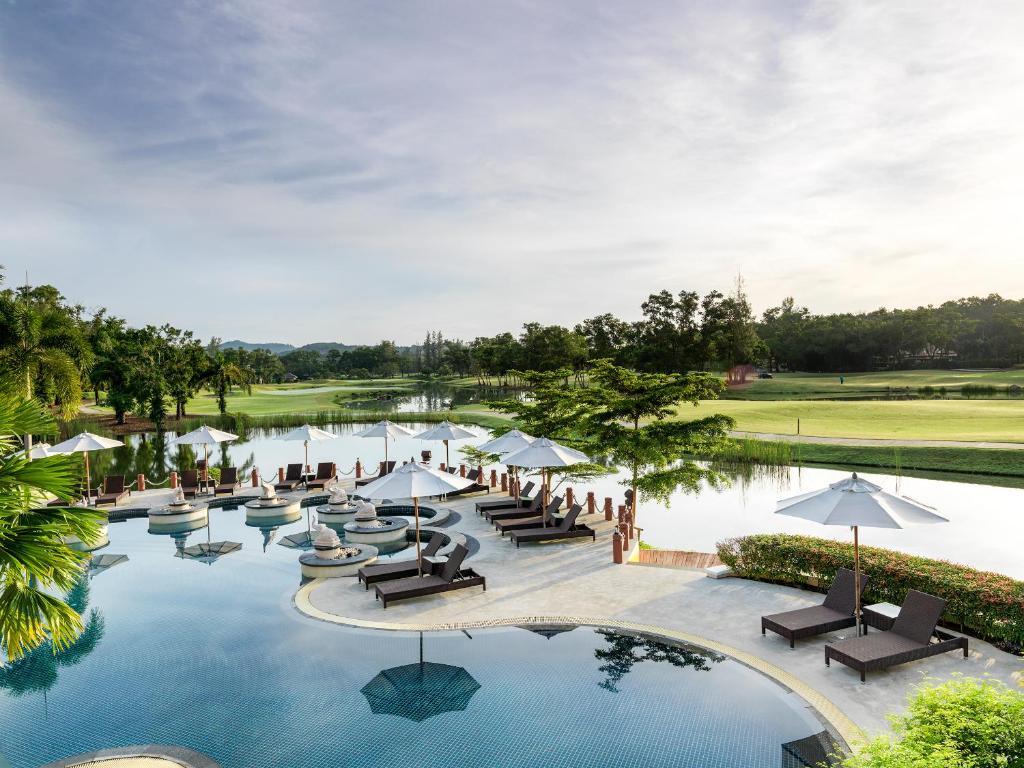 The swimming pool at or close to Laguna Holiday Club Phuket Resort