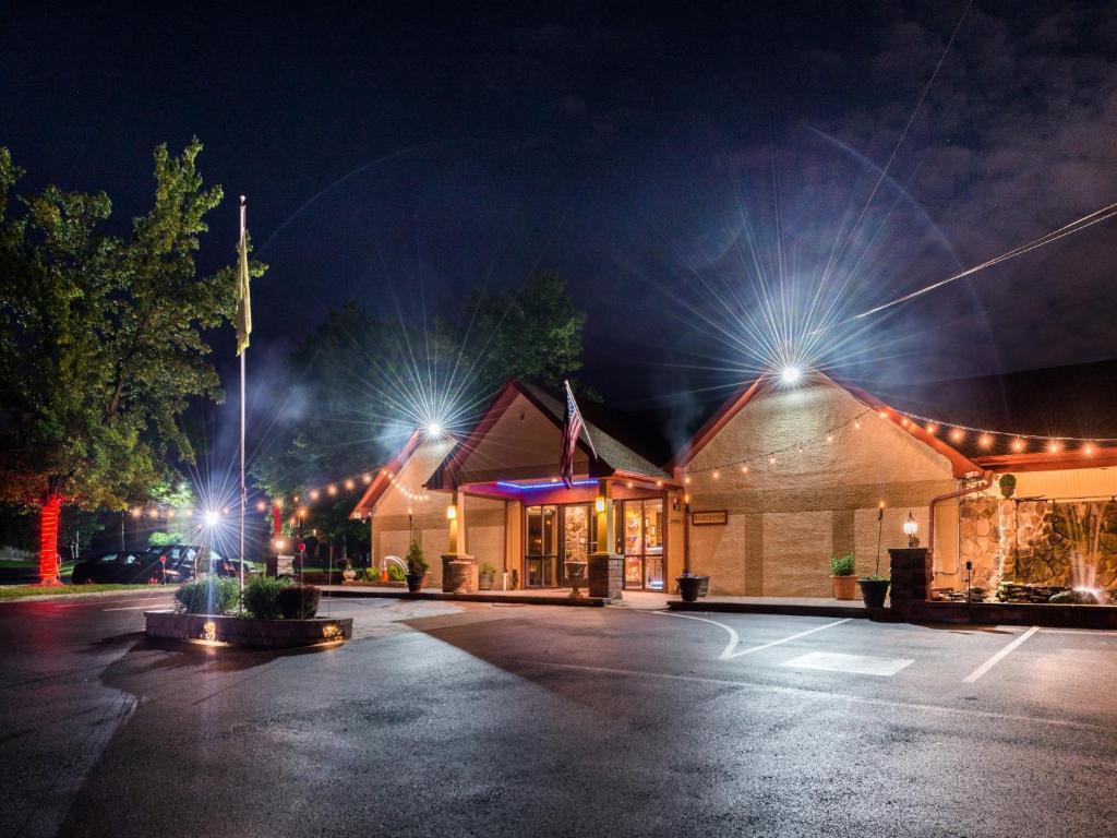 Inn of The Dove Romantic Luxury & Business Suites