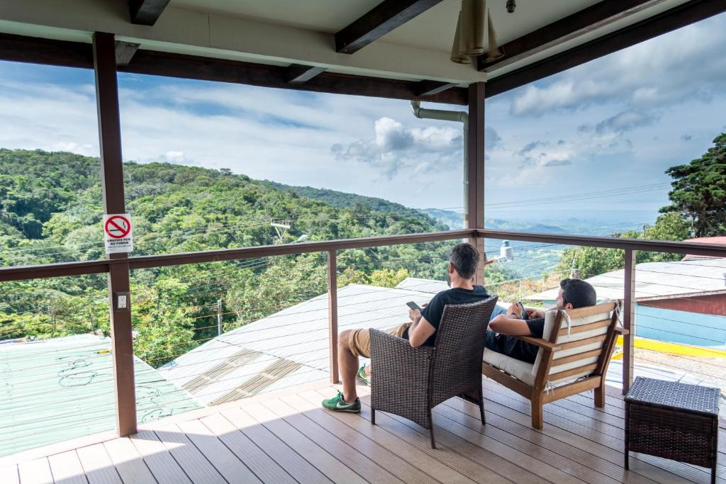 A balcony or terrace at Camino Verde B&B Monteverde Costa Rica