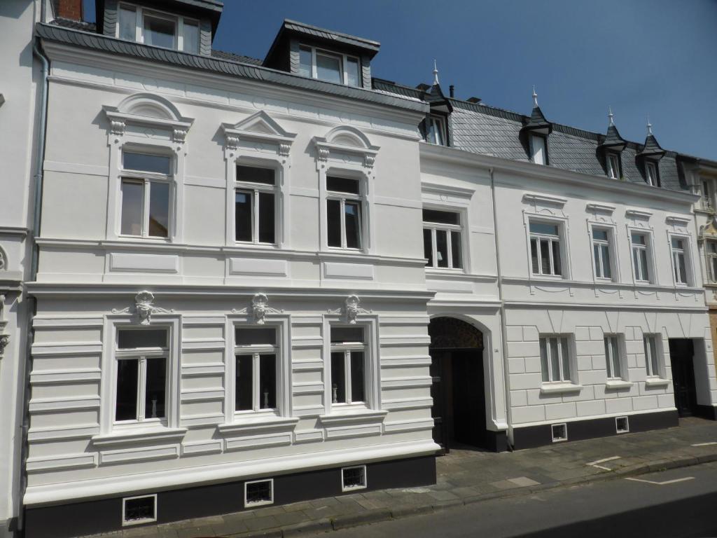 Eine Fassade oder ein Eingang zu Arkadenschlösschen Bonn