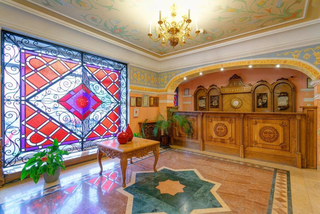 The lounge or bar area at Sretenskaya Hotel
