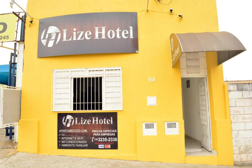 The facade or entrance of Lize Hotel