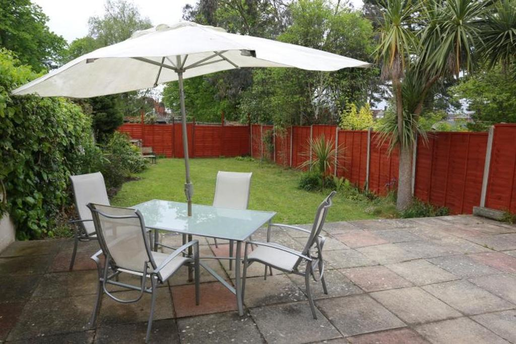 A porch or other outdoor area at Bournemouth Holiday Home