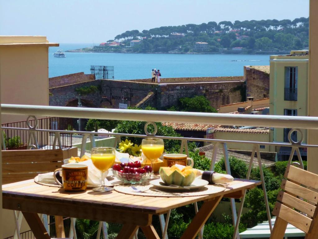 A balcony or terrace at Cap View