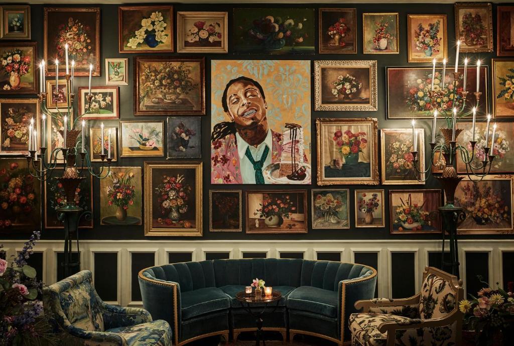 Salone o bar di Pontchartrain Hotel St. Charles Avenue
