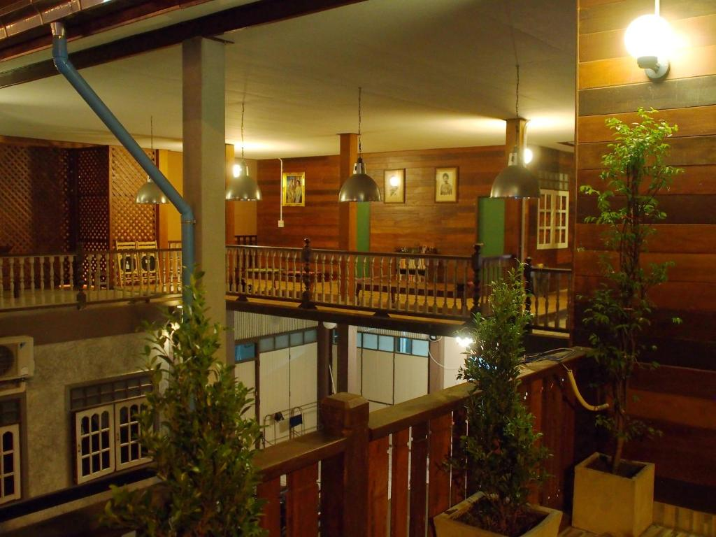 A balcony or terrace at Chommuang Guest House
