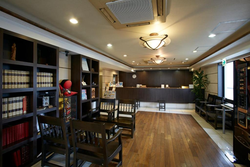 The lounge or bar area at Country Hotel Takayama