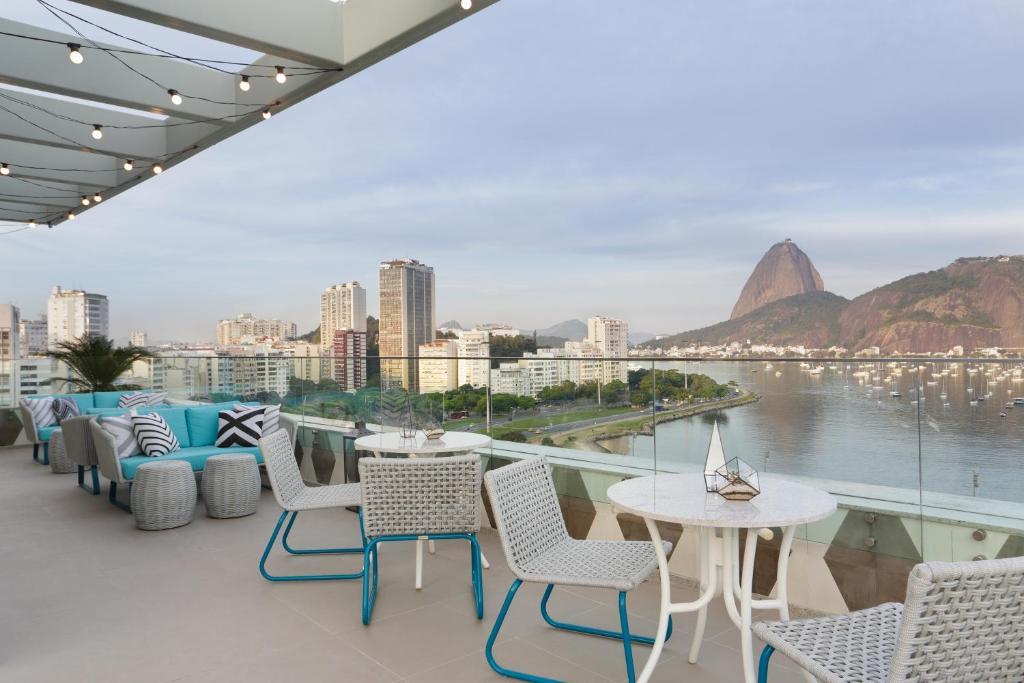 A patio or other outdoor area at Yoo2 Rio de Janeiro by Intercity