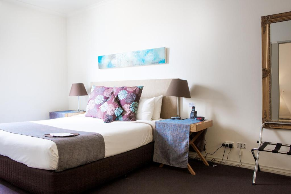 A room at Hotel Richmond on Rundle Mall