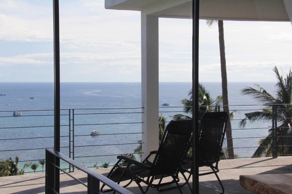 A balcony or terrace at Anankhira Villas
