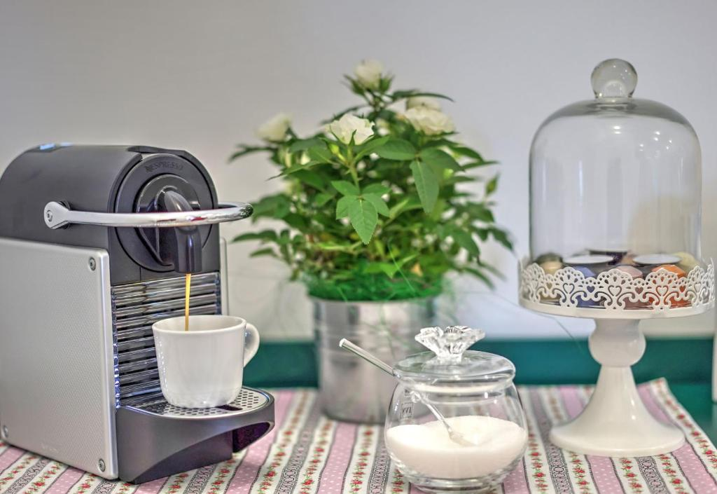 Coffee and tea-making facilities at Dall'Architetto