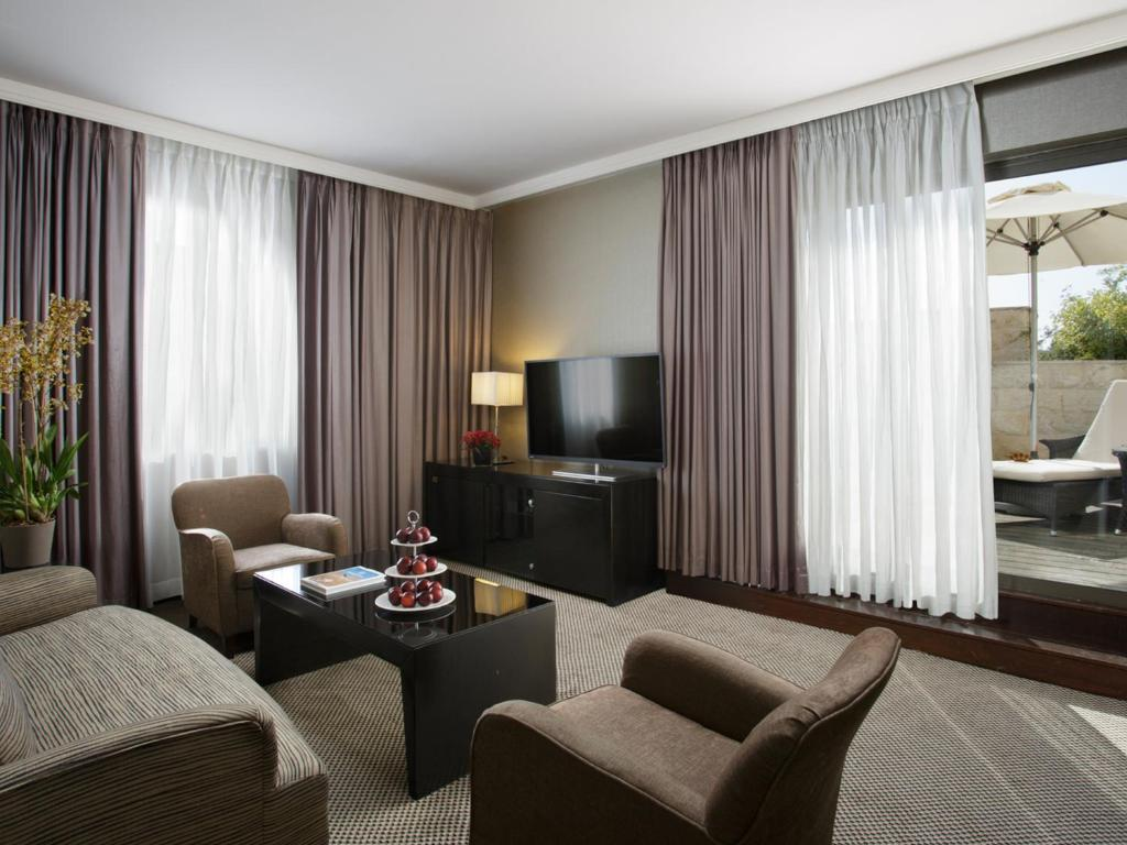 https://cf.bstatic.com/images/hotel/max1024x768/791/79140499.jpg