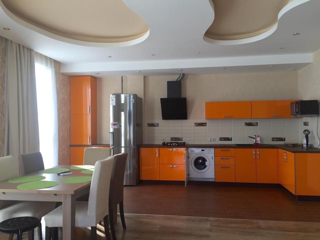 Кухня или мини-кухня в Apartment Vanilnoe Nebo