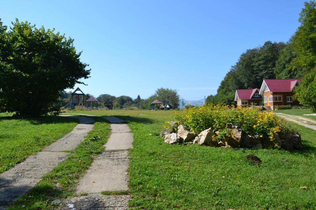 A garden outside Zvezdnaya dolina