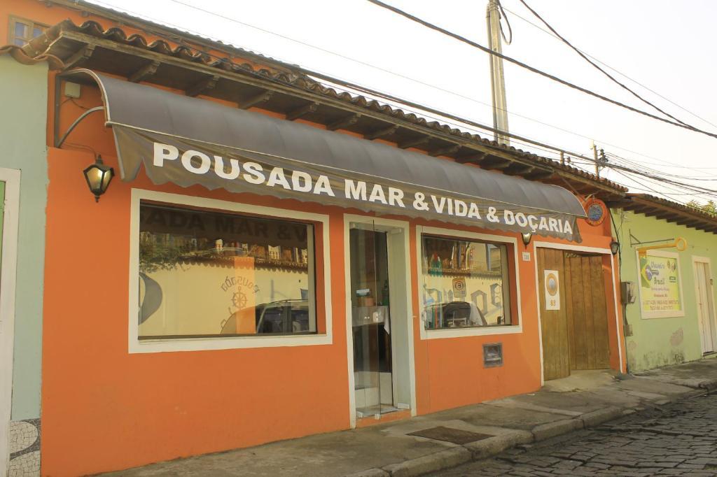 The facade or entrance of Pousada Mar & Vida e Doçaria