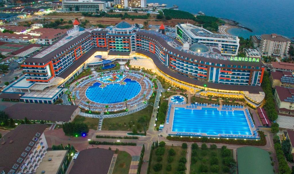 Lonicera Resort & Spa Hotel - Ultra All Inclusive с высоты птичьего полета