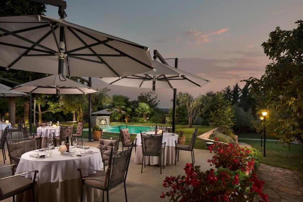 A restaurant or other place to eat at Heritage Hotel San Rocco