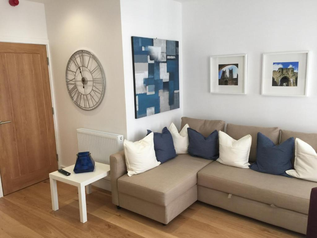 Lincoln City Apartments - Laterooms