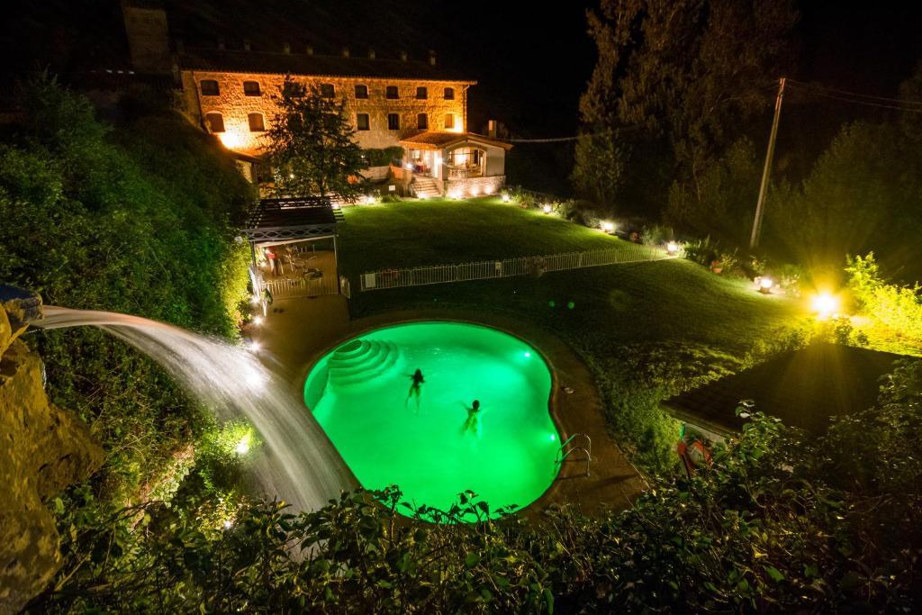 Vista de la piscina de Font del Pas o alrededores