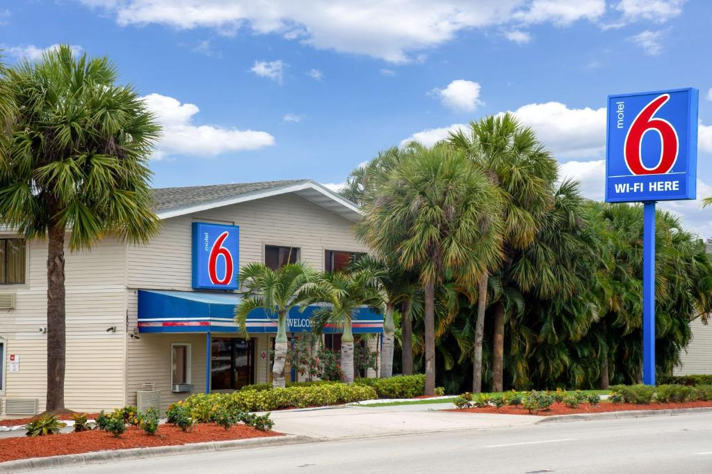 Motel 6 Fort Lauderdale Fl Fort Lauderdale Updated 2021 Prices