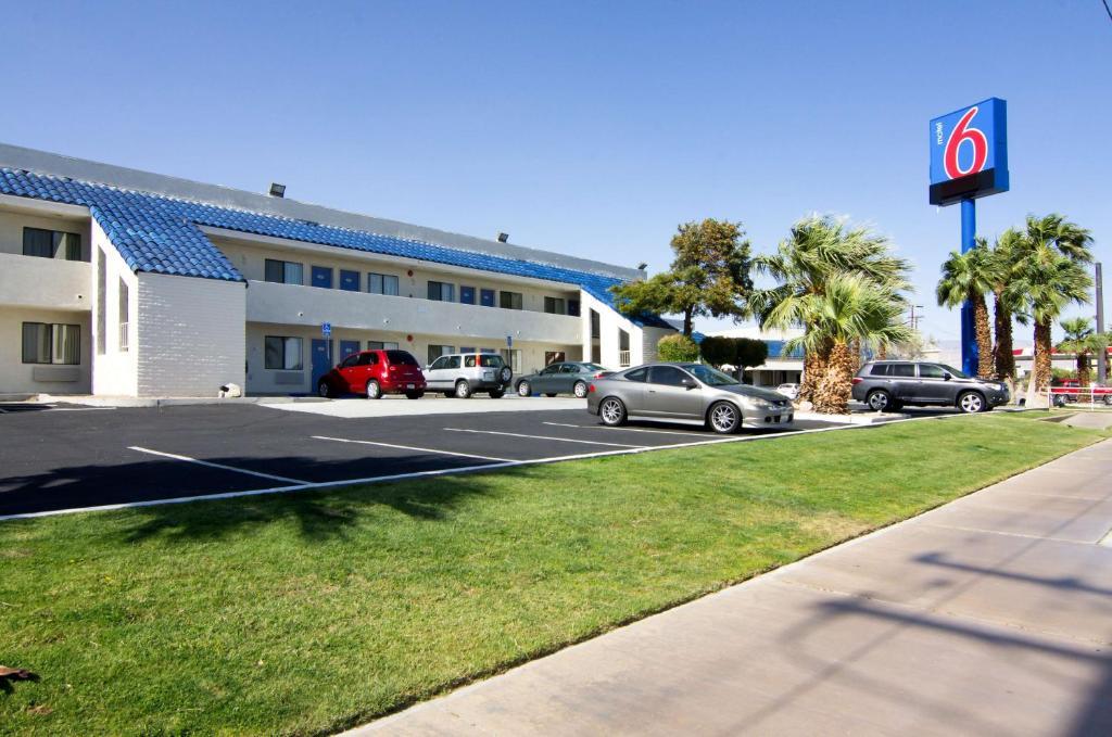 Zahrada ubytování Motel 6-North Palm Springs, CA - North