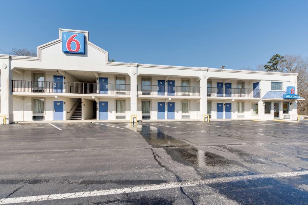 Motel 6-Kingston, TN